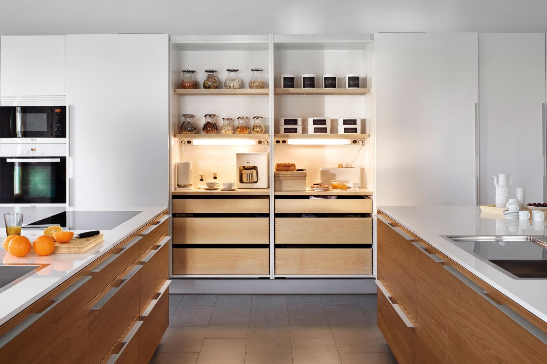 Armarios columna para almacenaje en la cocina