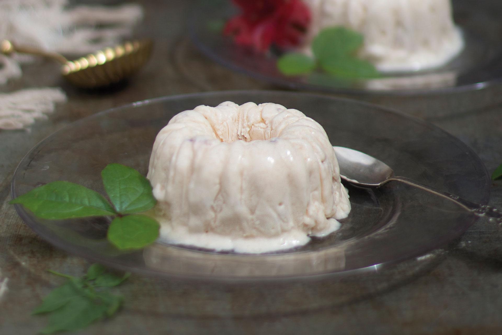 Receta de Semifreddo de nectarina blanca | Cocinas Santos | Santiago Interiores