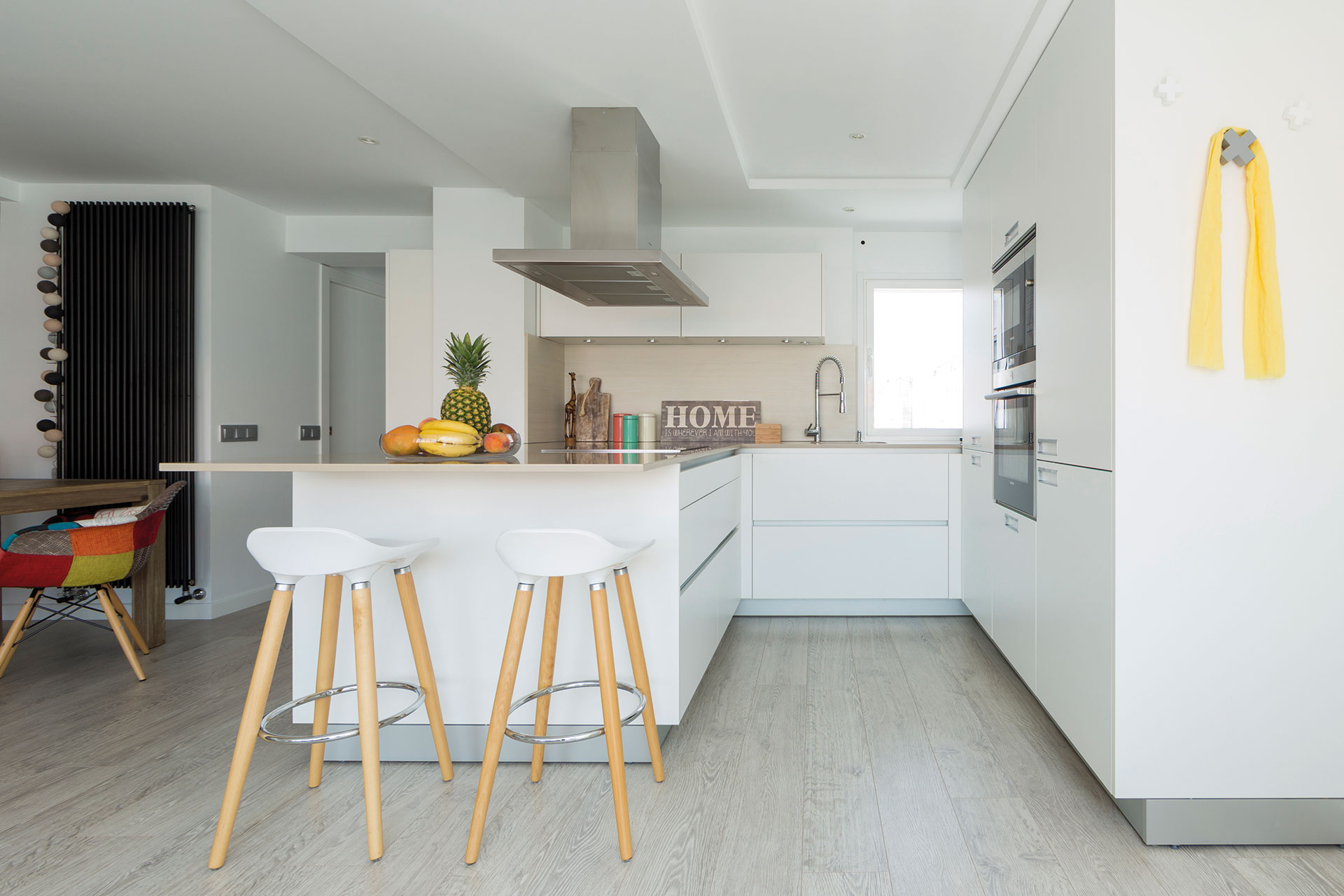 Image cocinas-blancas-abiertas-santos-santiago-interiores-cocinas-top-habitissimo