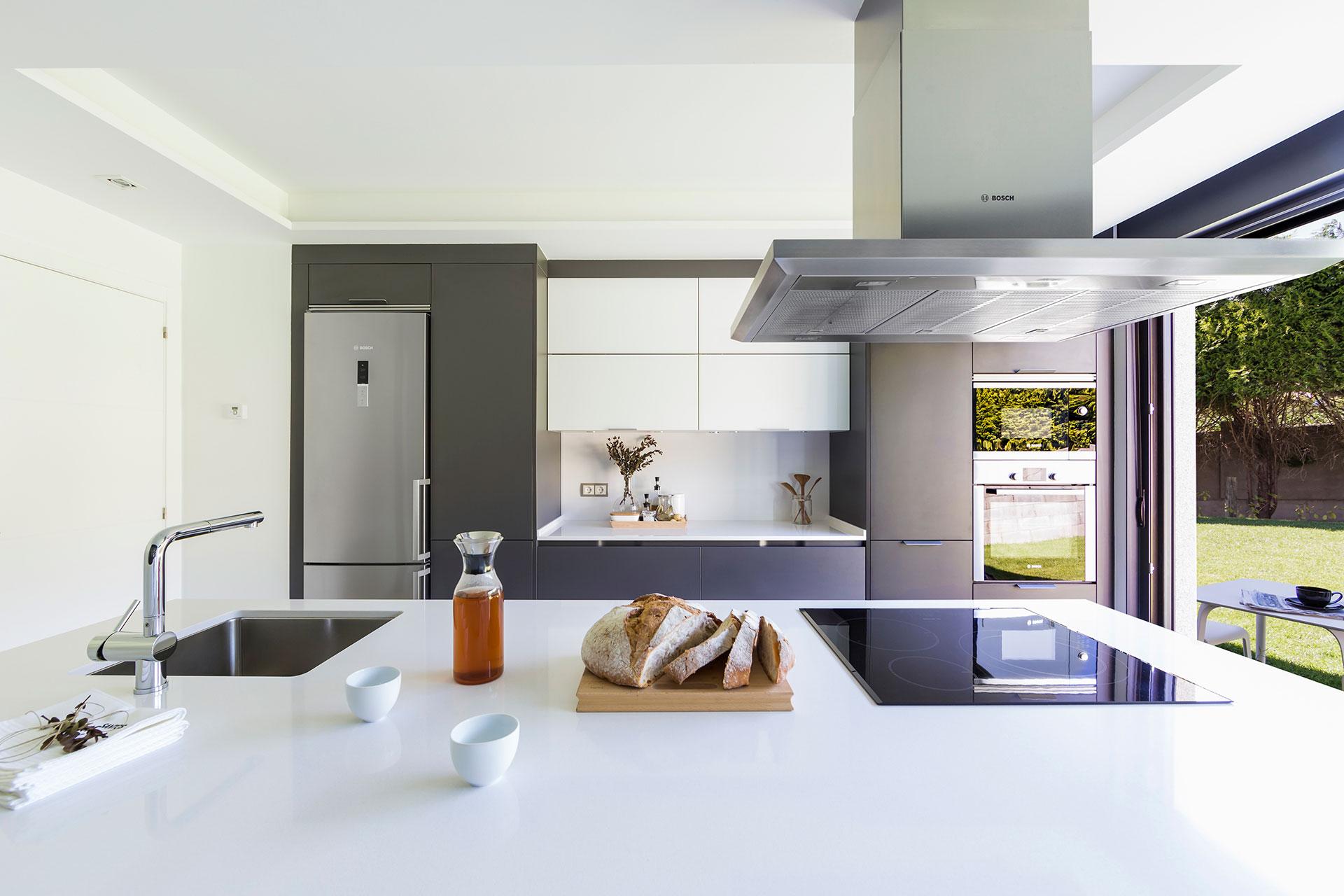 Campanas extractoras de cocina c mo acertar cocinas santos santiago interiores - Campanas extractoras de cocina silenciosas ...
