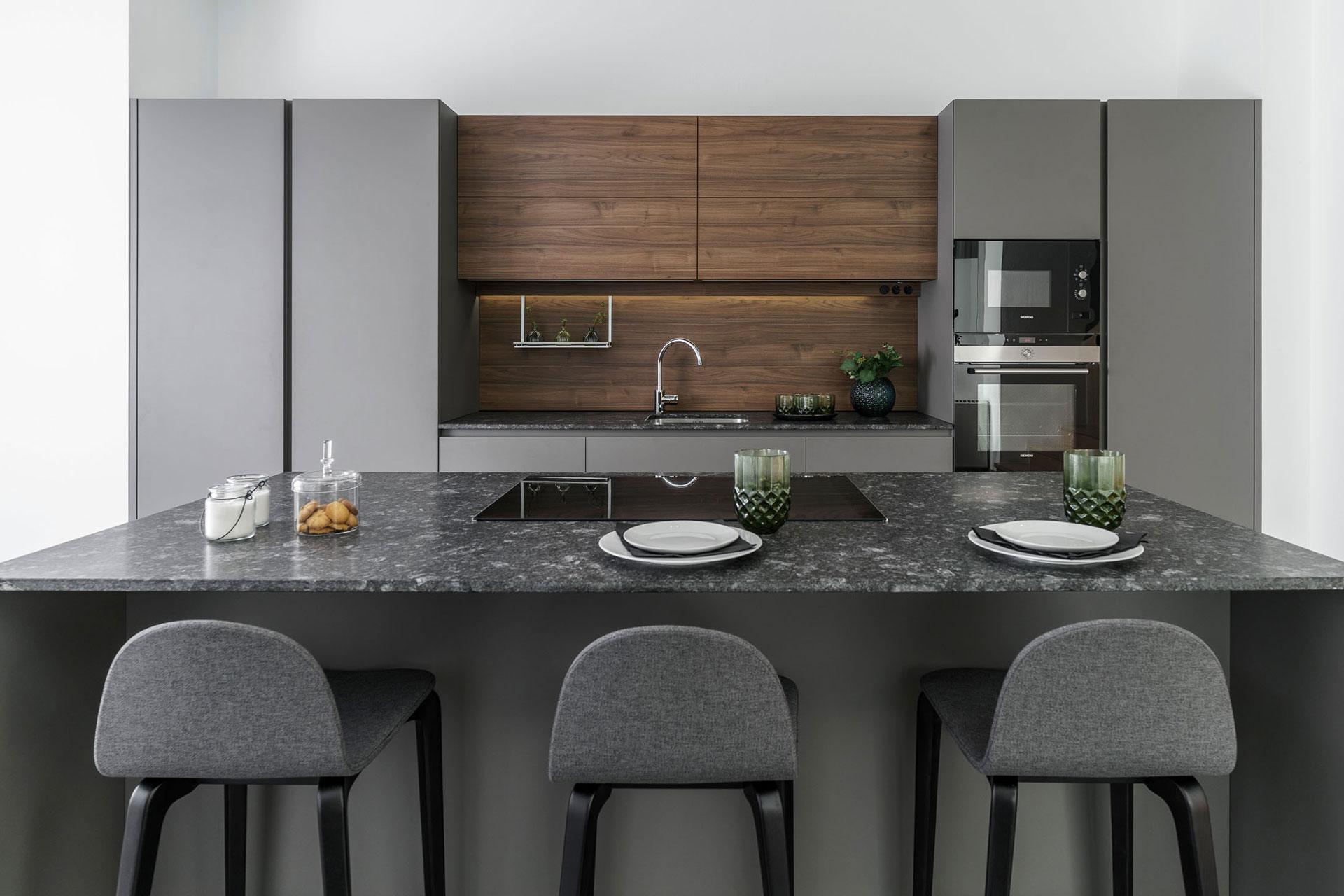 Nueva exposici n de cocinas santos en santiago interiores - Muebles de cocina de exposicion ...