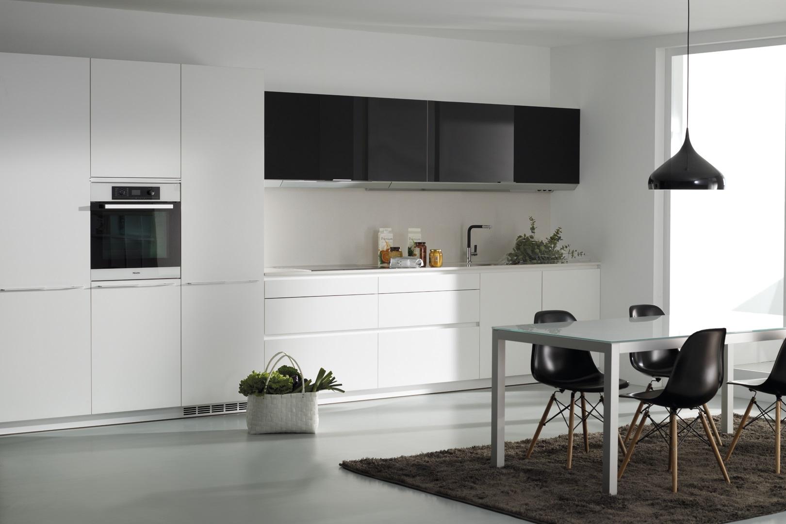 Cocina en blanco y negro Santiago Interiores