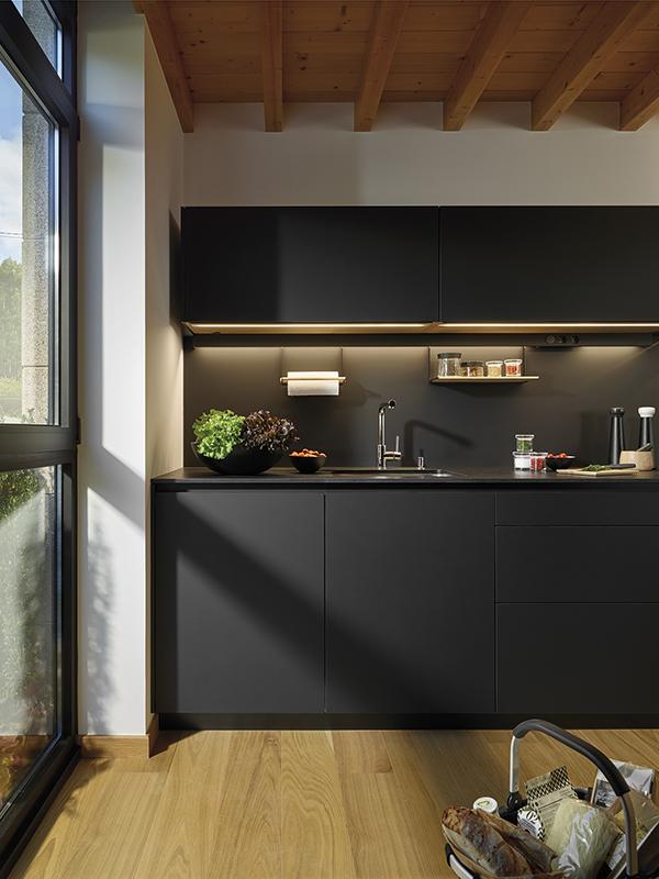Image cocinas-negras-mate-antihuellas-diseno-santos-line-lah-santiago-interiores-09