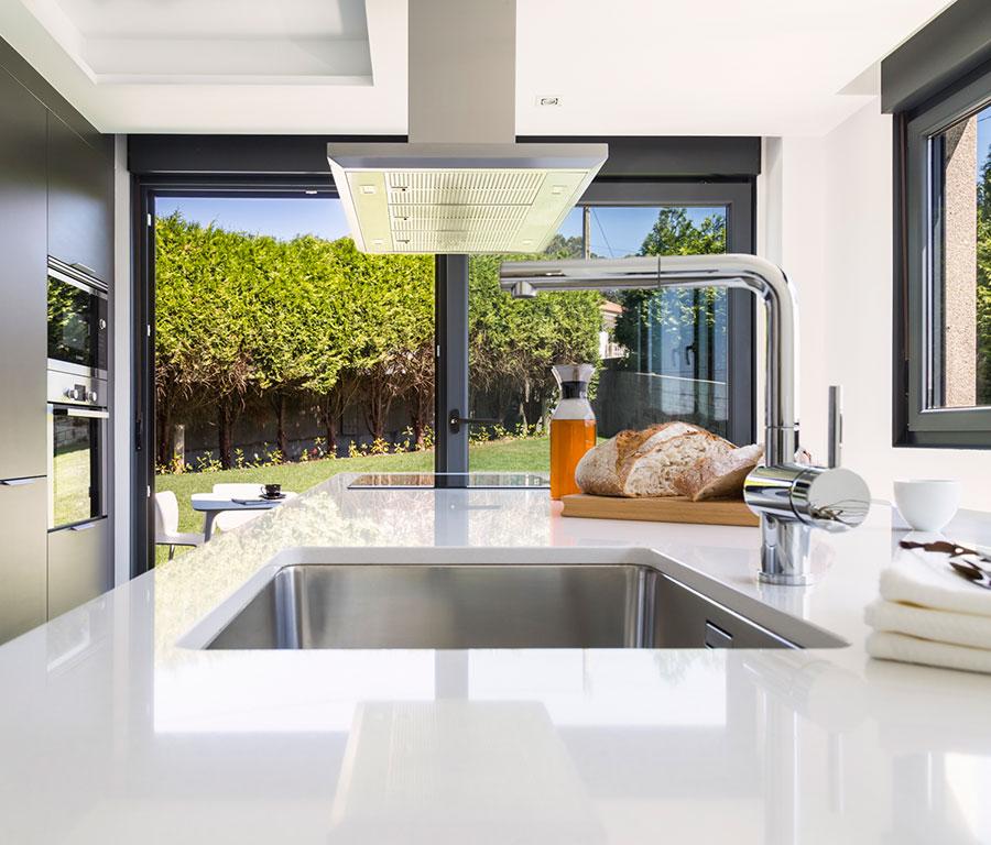 Cocinas Santos | Diseños de cocinas con isla | Santiago Interiores