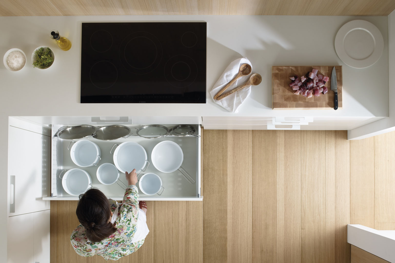 Cajones extraíbles en los muebles de cocina