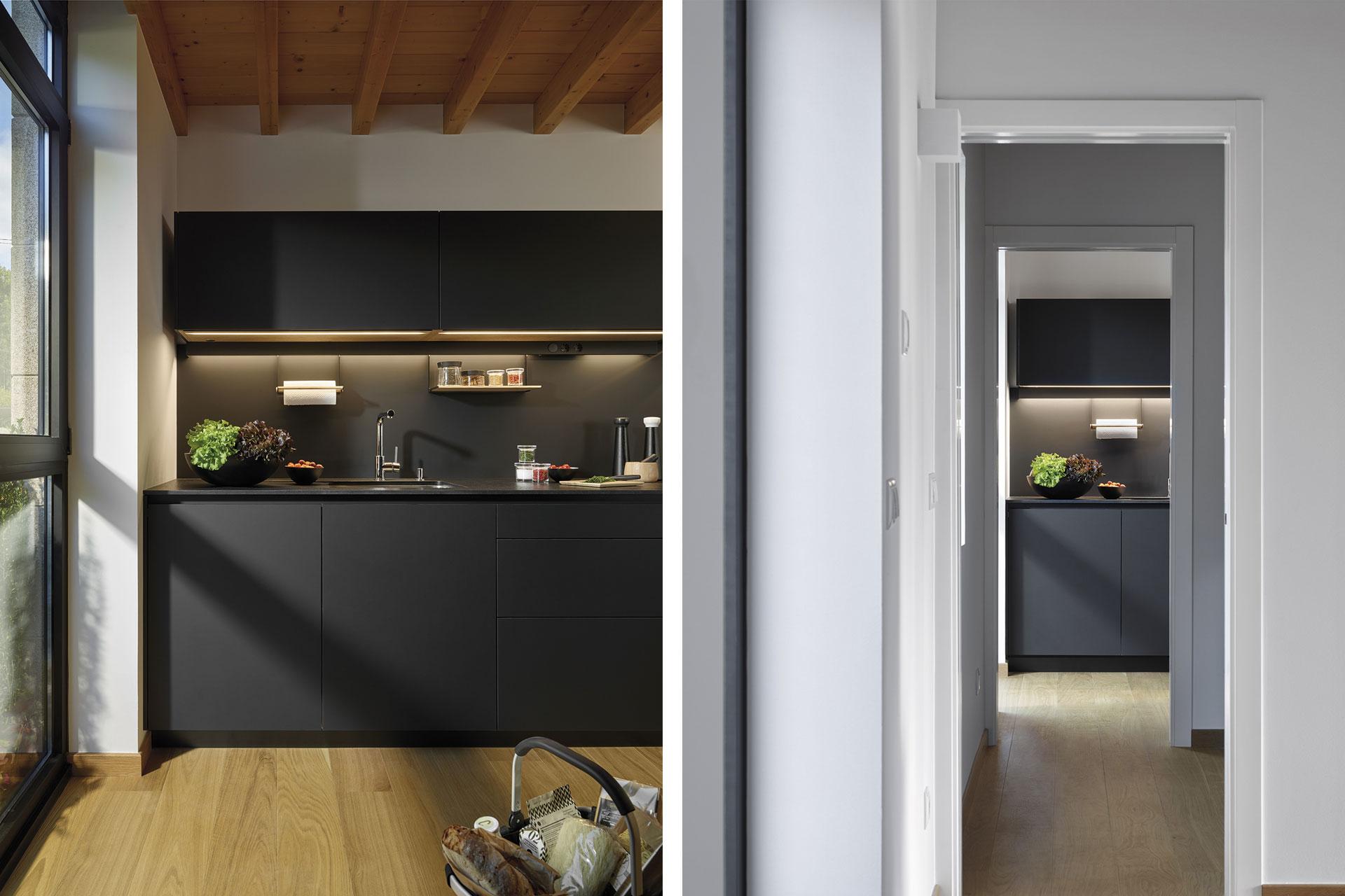 Cocina negra FINE LAH Santiago Interiores