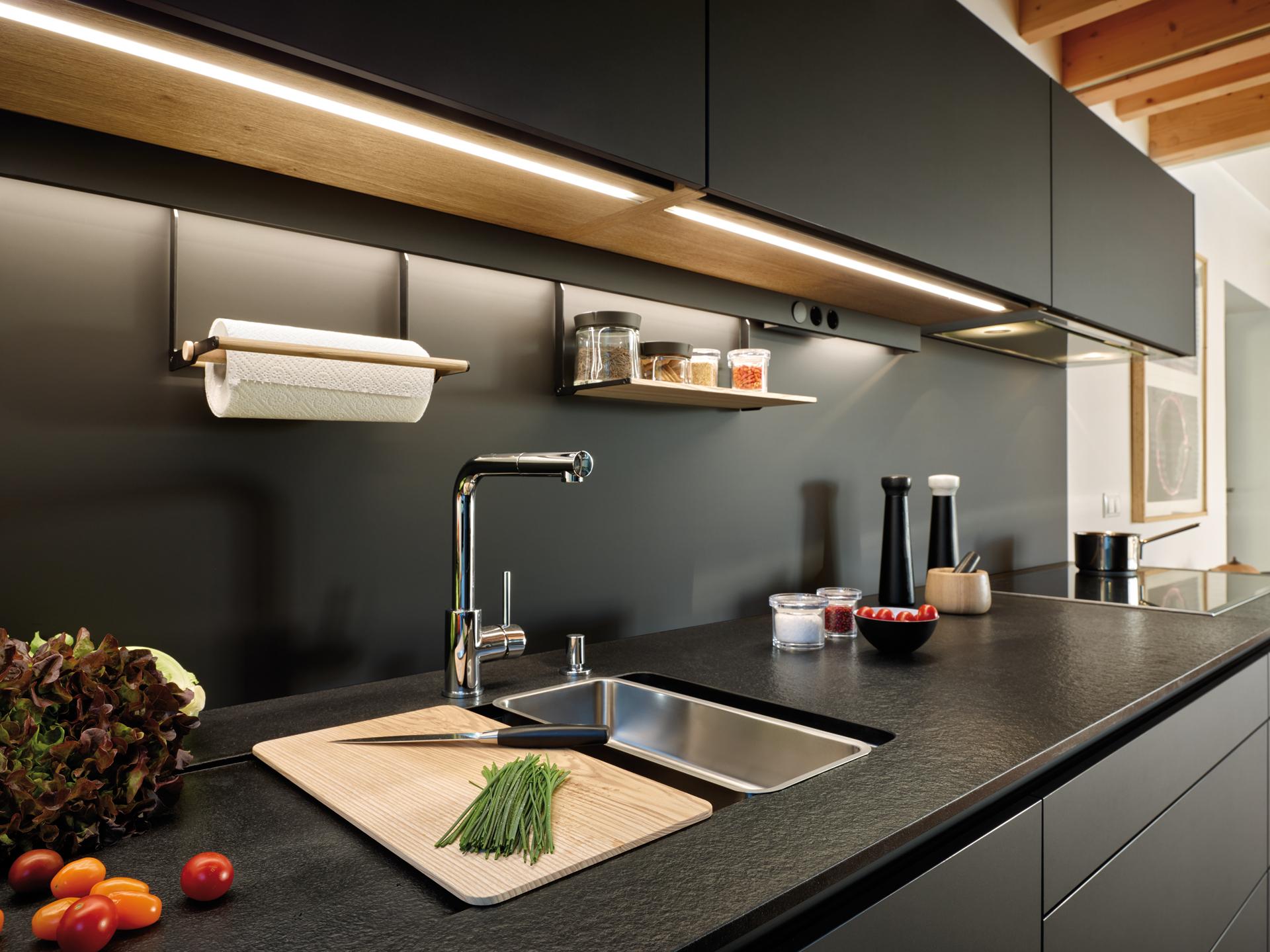 Cocina Negra Seda LAH Santiago Interiores