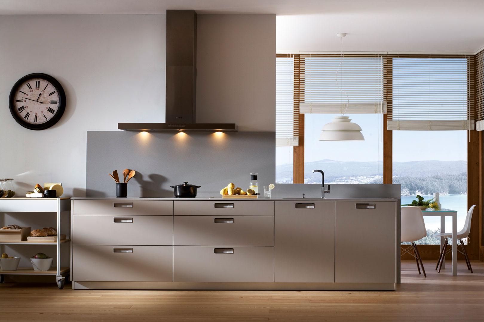 Tendencias: cocinas grises | Seda Laminado | Cocinas Santos | Santiago Interiores