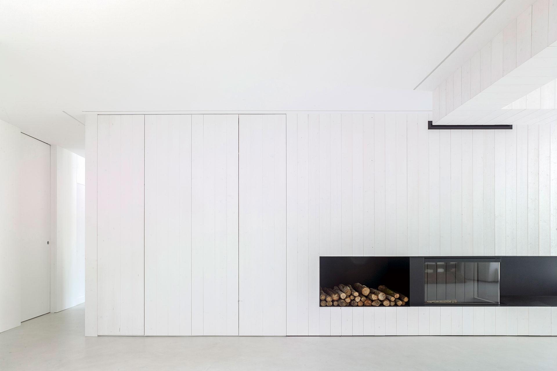 proyecto-Nanin-doesmas-arquitectos-entrevista-santiago-interiores-chimenea