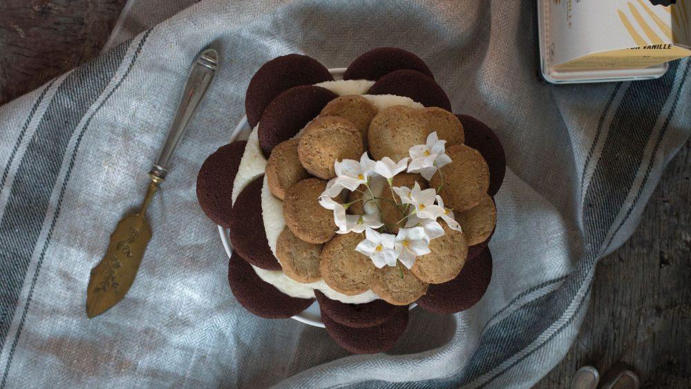 Receta de Tarta de galletas con crema | Cocinas Santos | Santiago Interiores