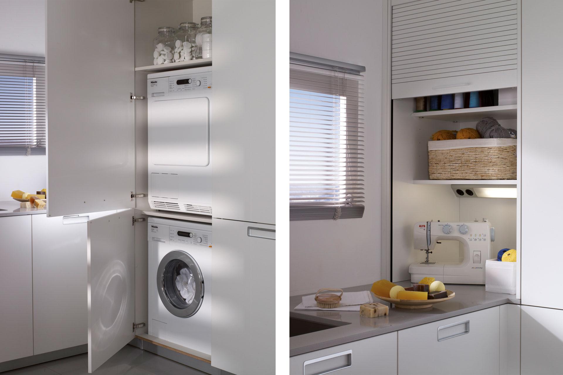 Electrodomésticos integrados: espacios limpios y armónicos   Columna lavandería   Cocinas Santos   Santiago Interiores