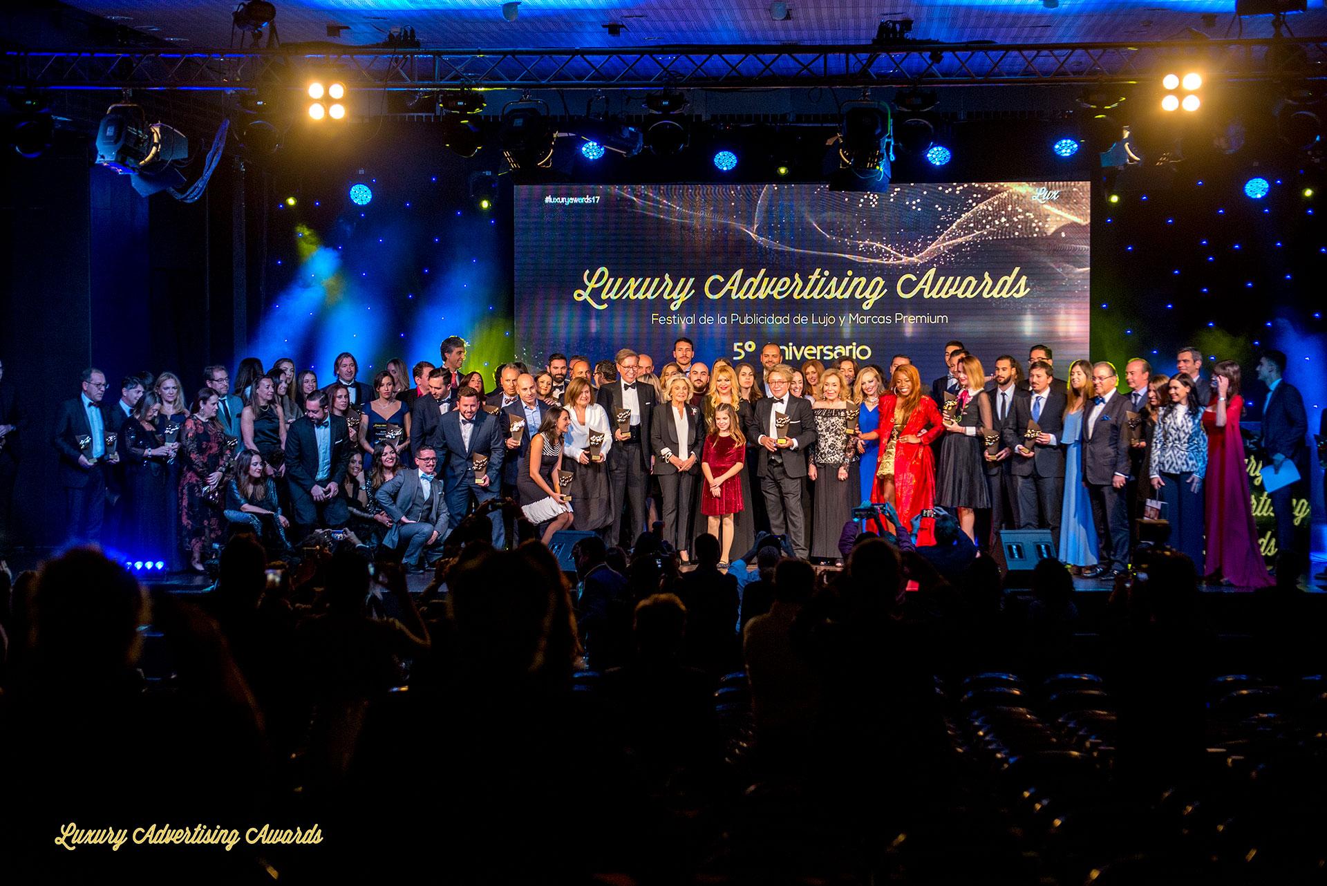 La web de Santiago Interiores, premiada en los Luxury Advertising Awards | Cocinas Santos