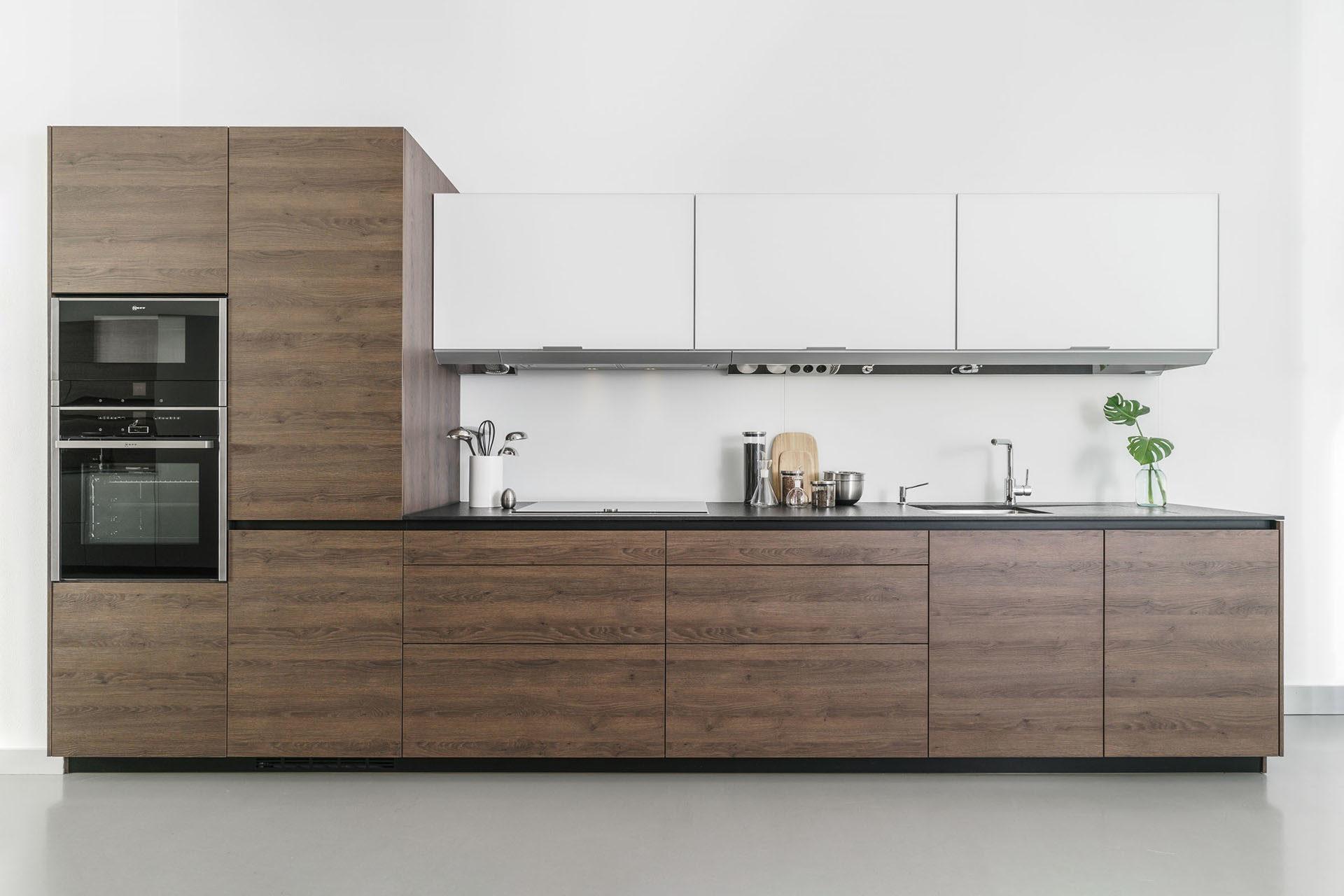 Cocina en madera y cristal en Santiago Interiores