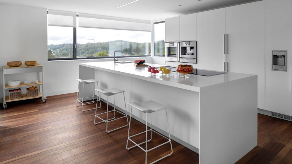 Cocina Blanca con Isla Moderna