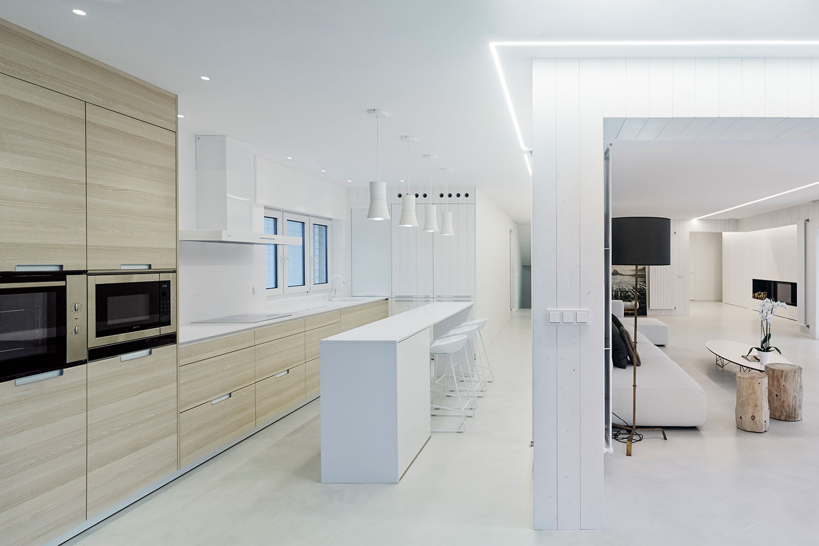Isla de cocina con barra