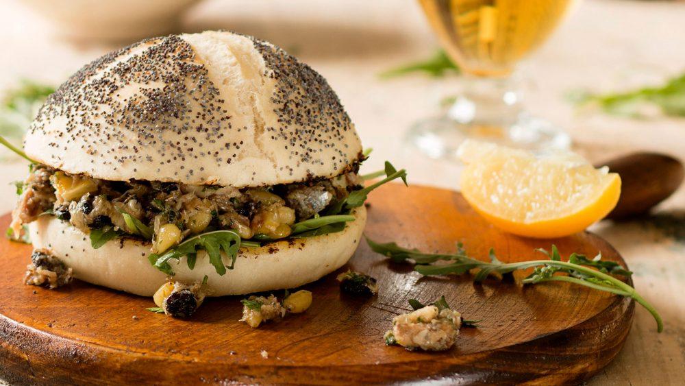 Bocata agridulce de sardinas | Calendario Santos
