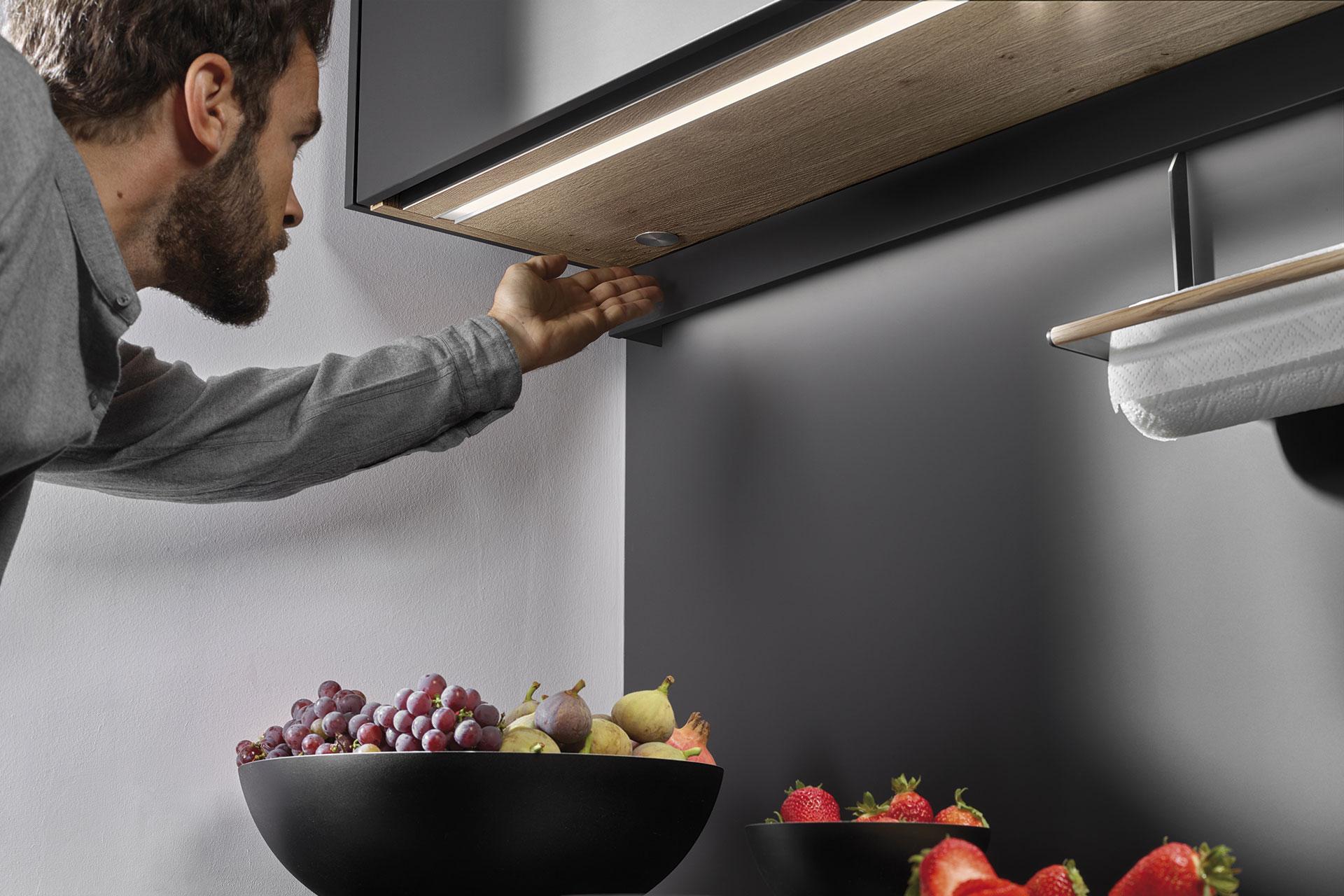 Iluminación LED integrada en los muebles de cocina