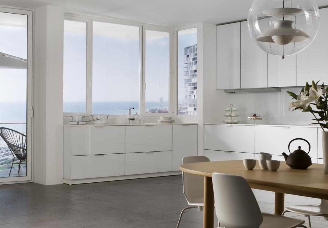 cocinas-blancas-en-L-santiago-interiores