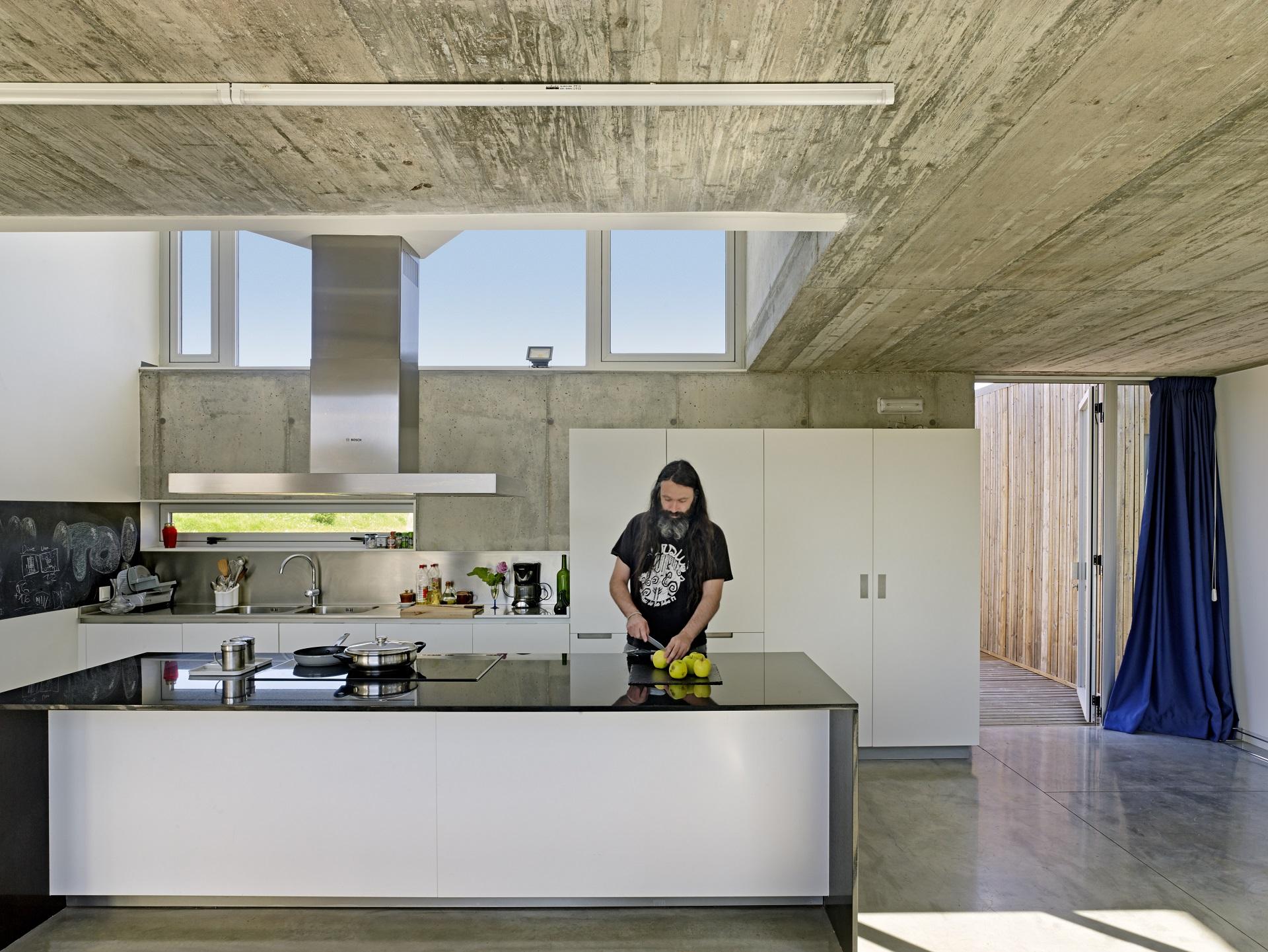 Cocinas lineales con isla Santiago Interiores