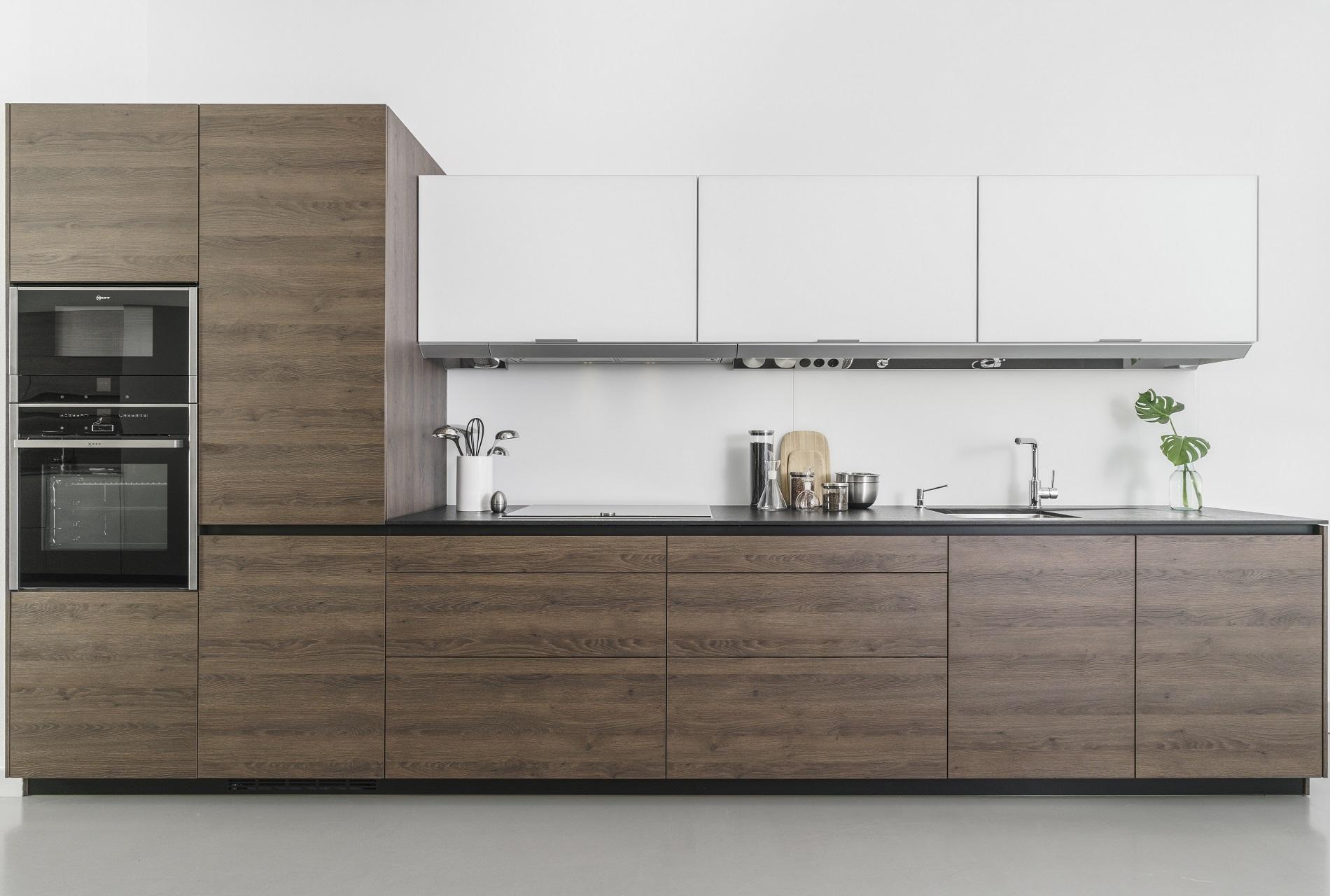 Cocinas en liquidación Line L en Roble y Blanco Santiago Interiores
