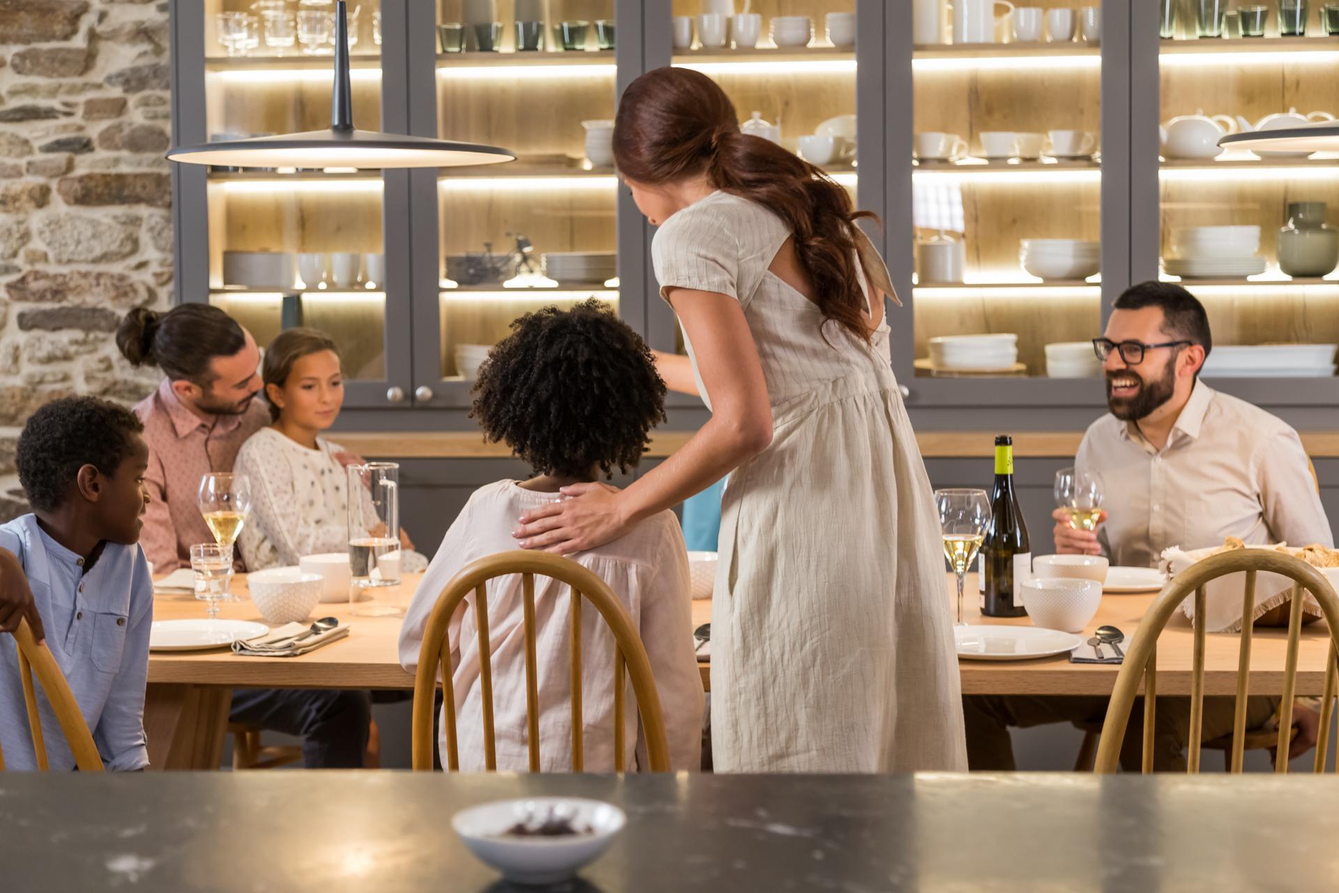 Cocina como zona de reuniones en familia