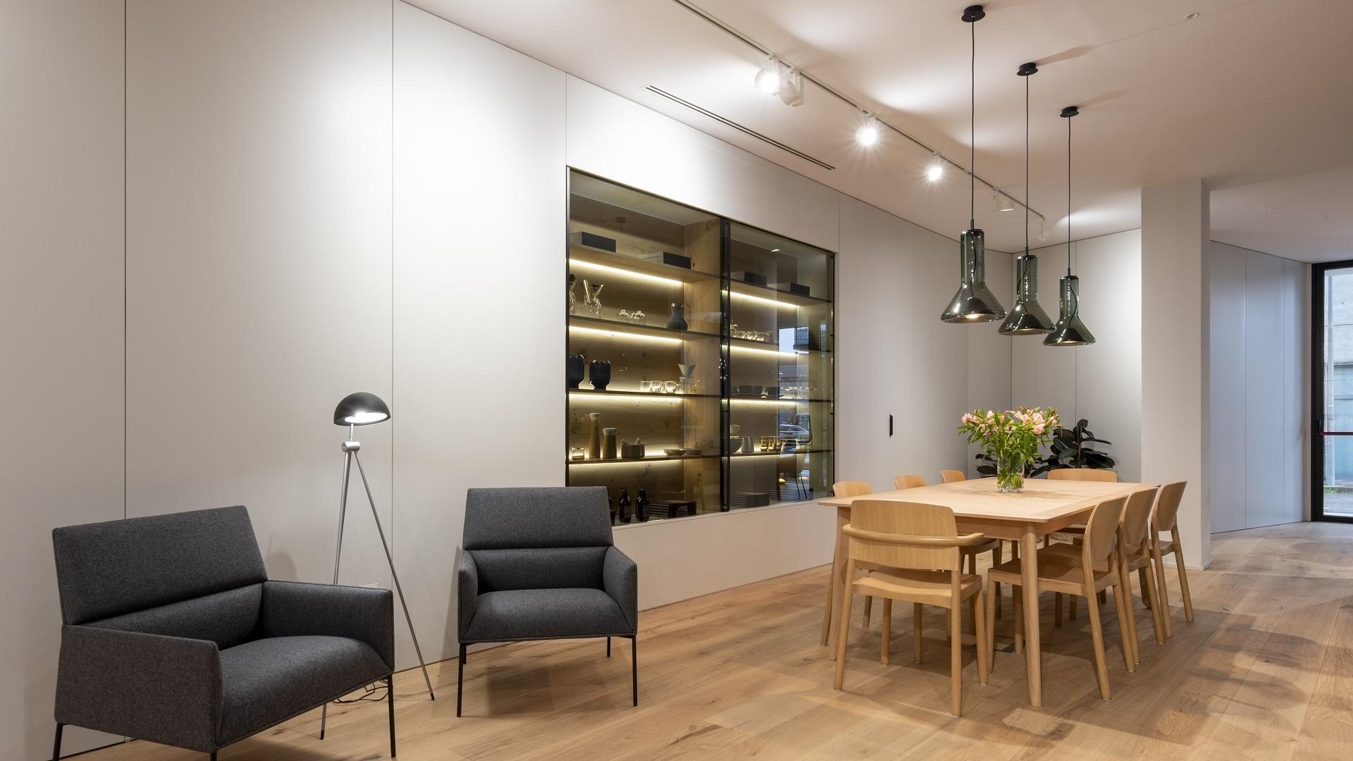 Exposición de cocinas tienda Santiago Interiores