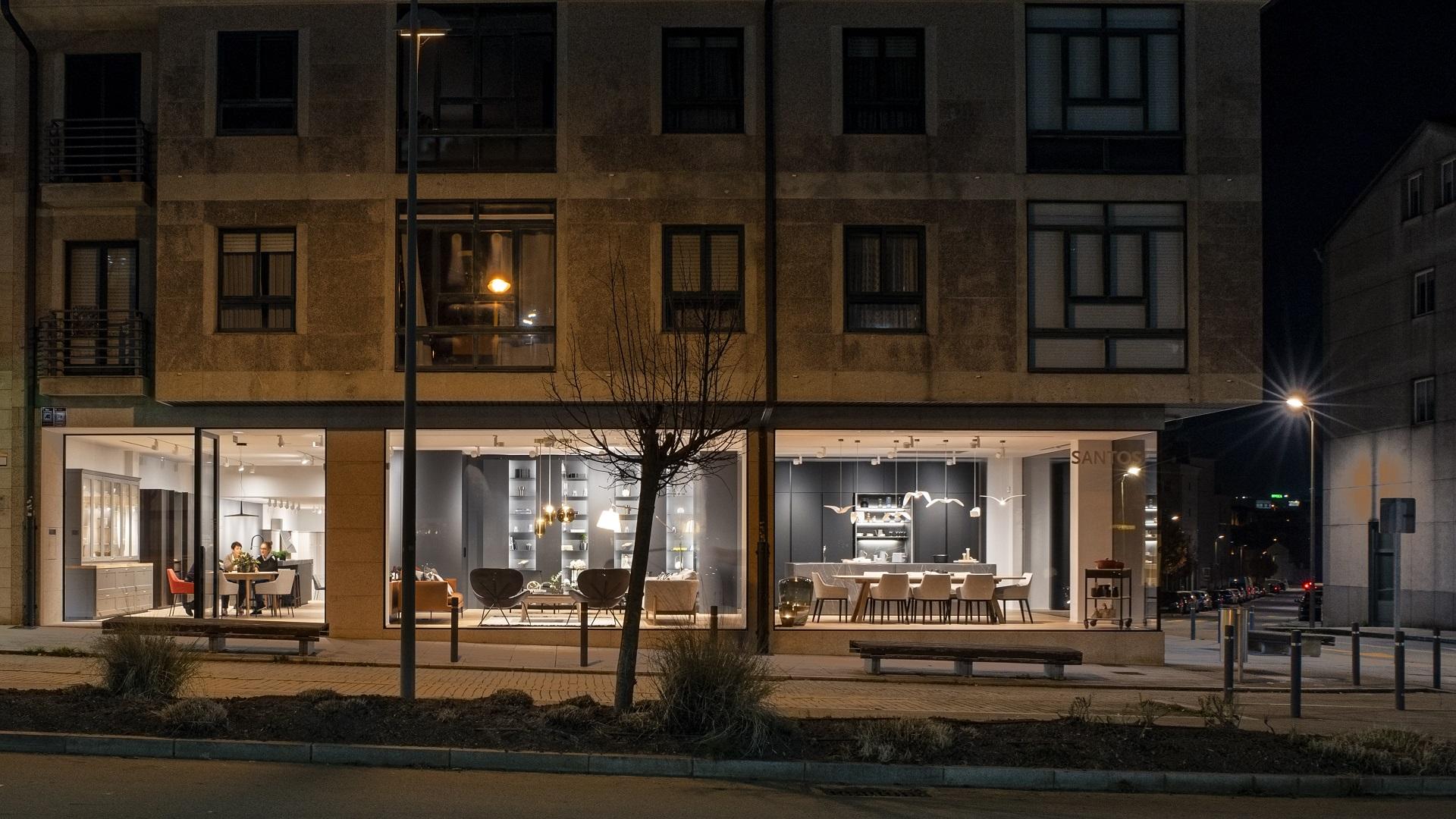 Nuevas exposiciones de cocinas Santiago Interiores