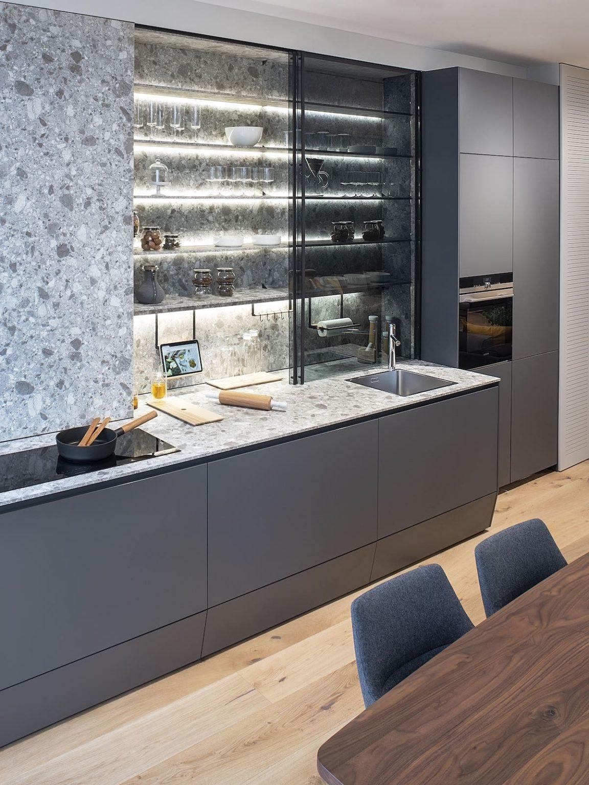 Iluminación LED vitrina cocina Santiago Interiores