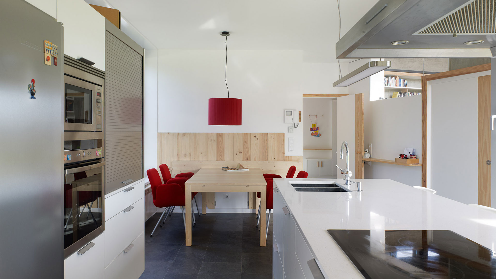 Cocina luminosa con isla en Corexo (A Coruña)