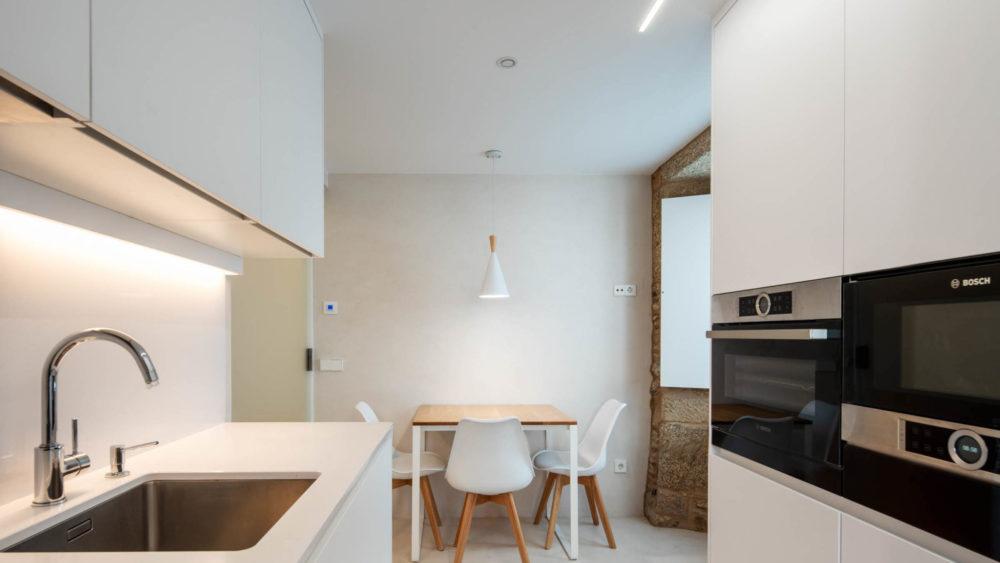 Cocinas pequeñas en paralelo Santiago Interiores