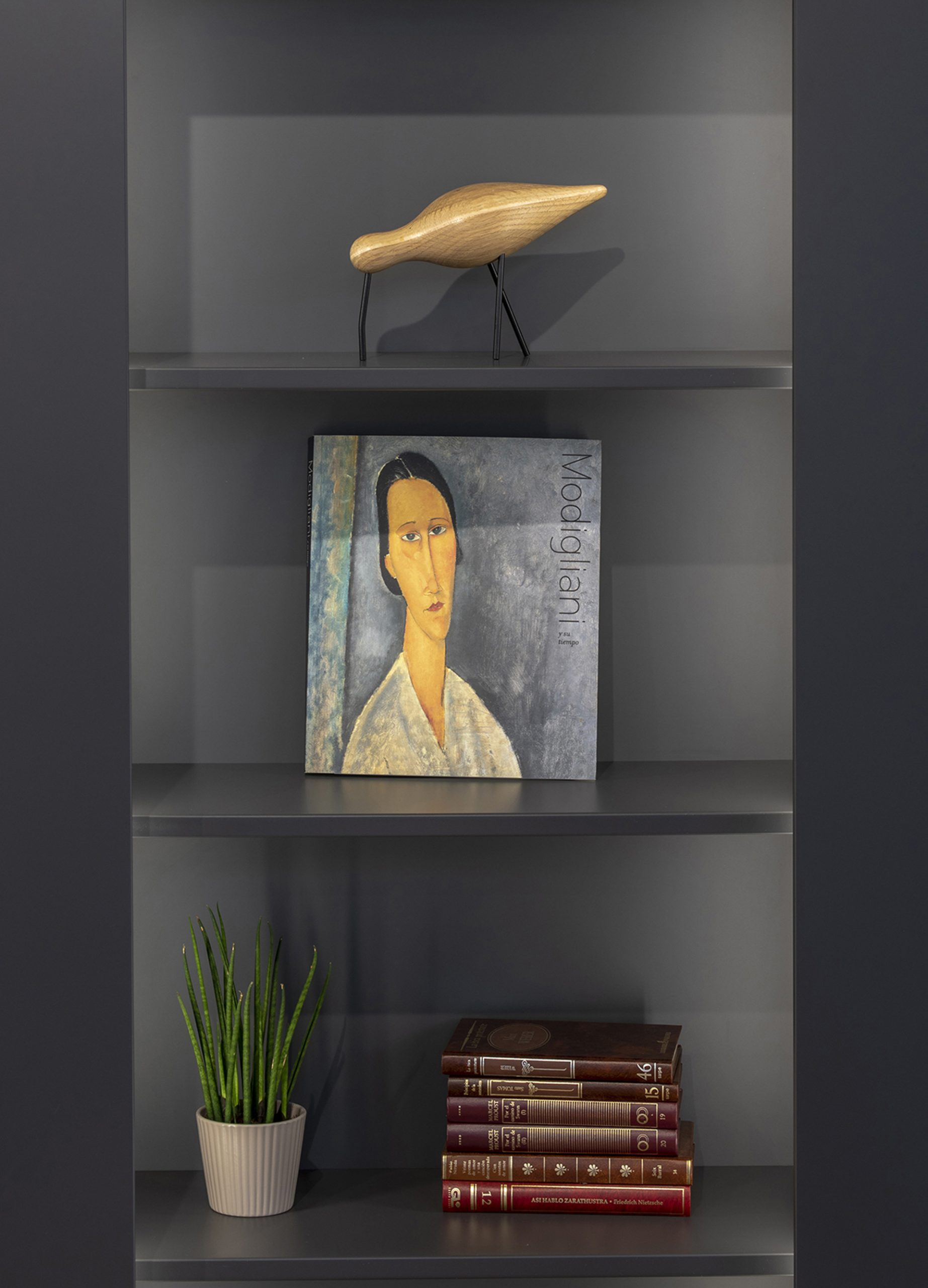 Muebles de Hogar en Santiago Interiores. Aparadores y Estanterías