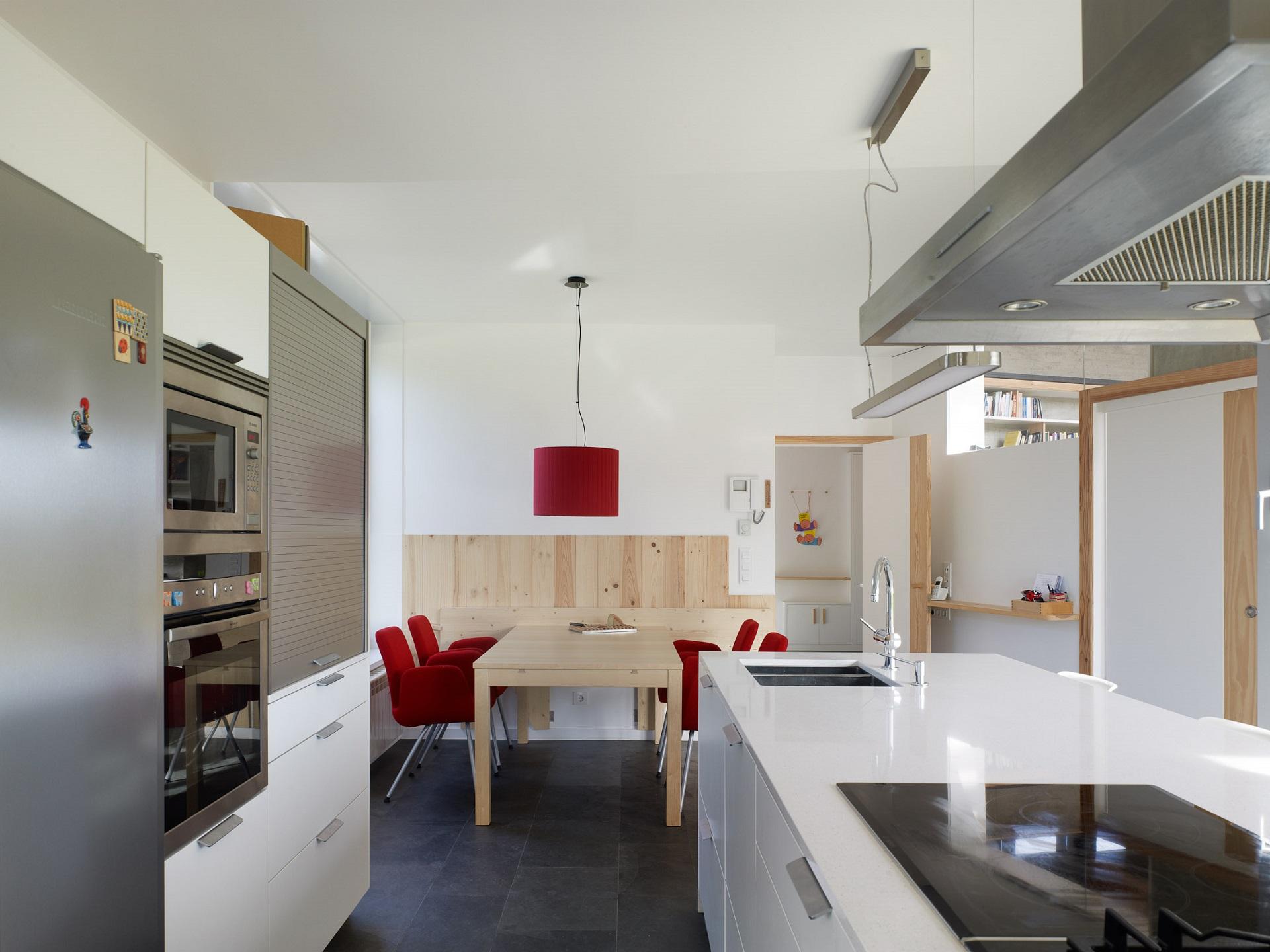 Cocinas con encanto blancas y madera Santos